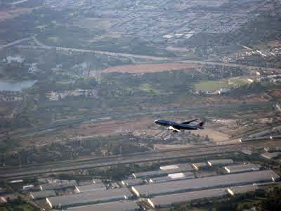 airplane_flying.jpg