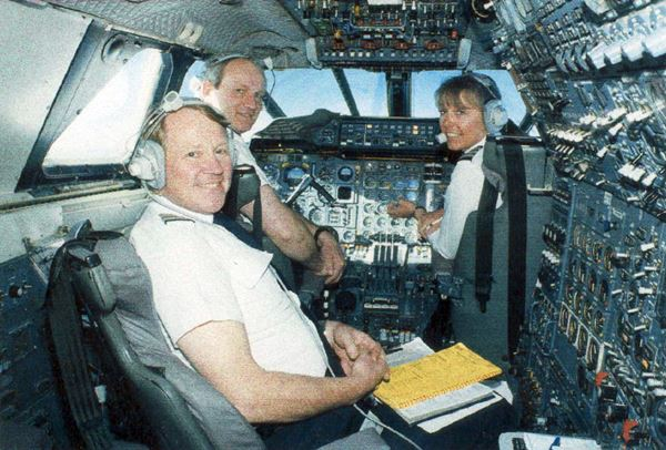 concorde_flight_engineer.jpg