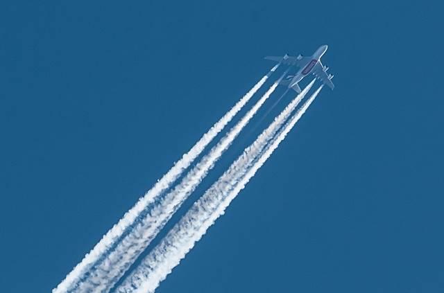 flying_airplane.jpg