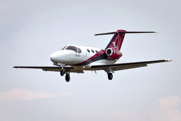 Jet Privato Valentino Rossi : 에어프랑스 퍼스트 고객 대상 개인 전용기 서비스 개시 새로운 소식 항공여행정보