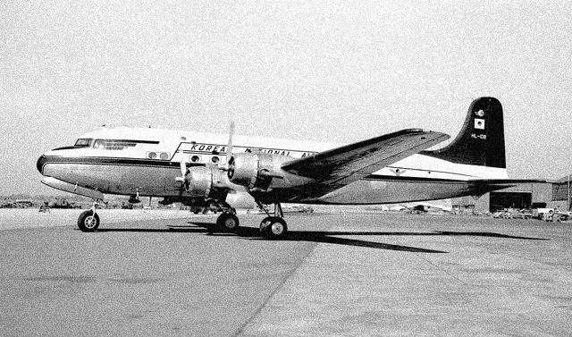 korean_national_airlines_dc4
