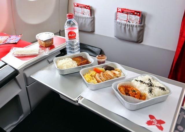 airasiaX_meal.jpg