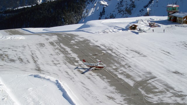 Courchevel-Airport.jpg