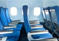 왜 항공기 창문과 좌석열 위치가 나란하지 않냐고?