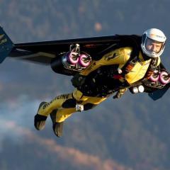 불법 드론에 이어 제트맨, 새로운 항공안전 위협으로 등장