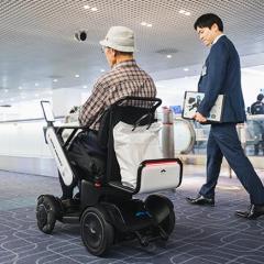 JAL, 업계 최초로 공항 자율 운전 휠체어 실용화