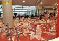중국 여행객 비양심으로 쓰레기장 신세, 제주공항