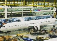 첫 B787-10 여객기 공개 - 싱가포르항공 인도용