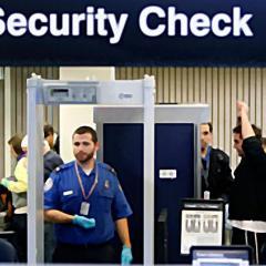 유나이티드항공, 탑승 전 코로나 검사 ·· 여행 부활 신호탄 될 수 있을까?