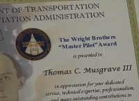 52년 무결점 비행한 조종사, FAA로부터 최고 명예상 받아