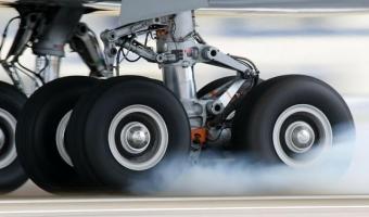 항공기 타이어 속 기체는 무엇? 몇개월마다 교체?