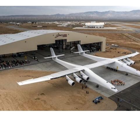 세계 최대 비행기 이륙 준비, 新 비즈니스 '위성 로켓 공중 발사체'